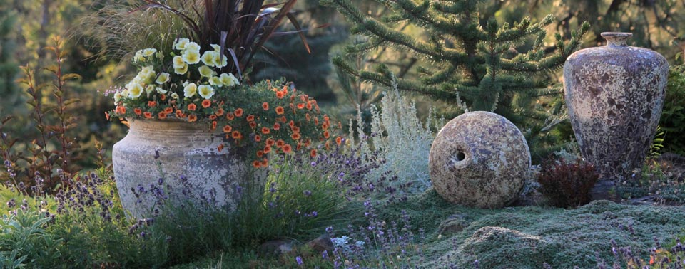 back-yard-roman-style-pots