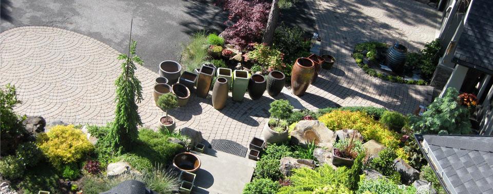 empty-pots-in-driveway