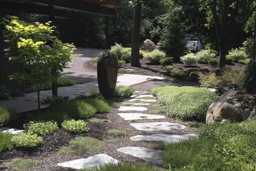 woodland-flagstone-path
